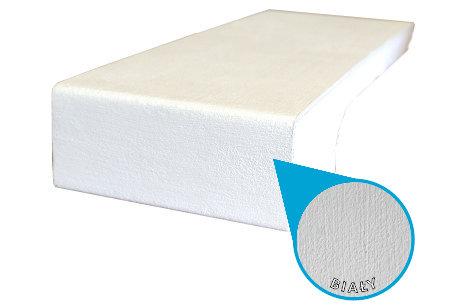 Ciepły parapet malowany na biało