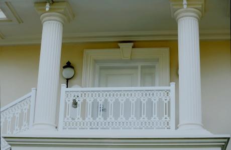 Kolumny ozdobne do domu